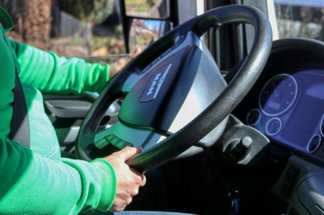 truck-driver-4933514_1920.jpg