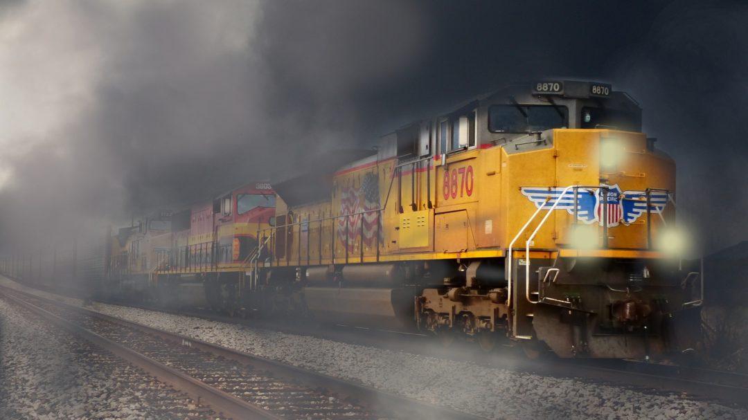 train-5723095_1920.jpg