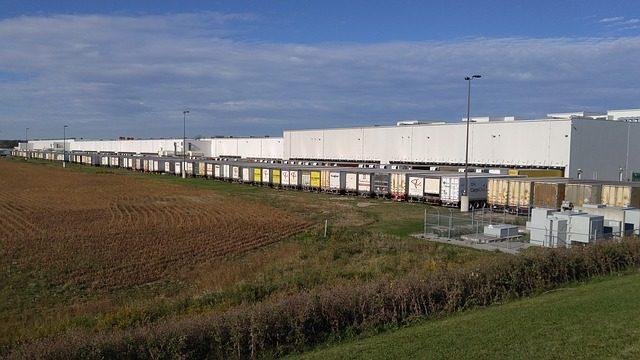depot-1406937_640.jpg