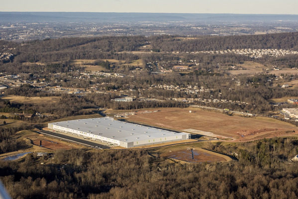 Chewy leases 732,000-square-foot fulfillment center at Goodman Logistics Center Newberry