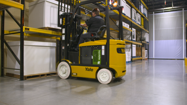 Yale Wins Green Awards from Multiple Publications for Lift Truck Power Suite
