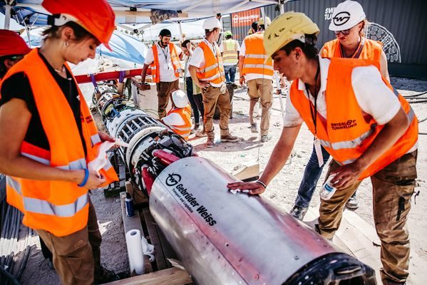 Swiss Hyperloop Team Achieves Top Position at Not-A-Boring Competition